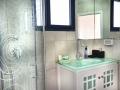 מרומי שדה - מקלחת